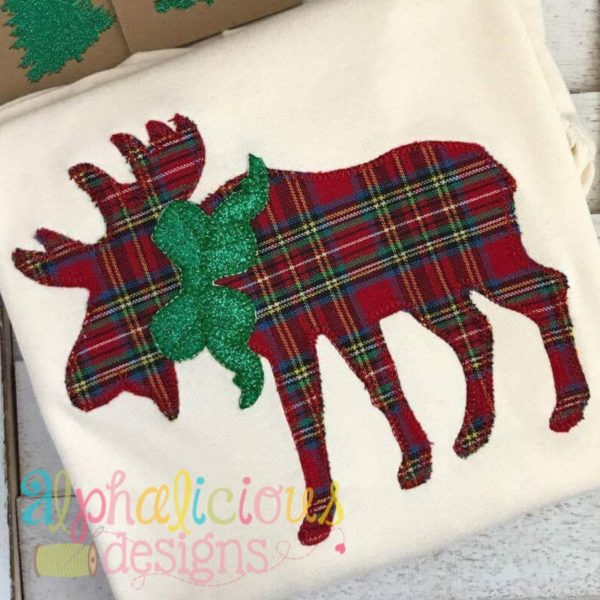 Woodlands Moose with Bow Applique-Blanket