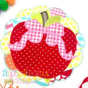 Patchwork Scallop Frame with Apple with Bow-ZigZag